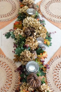 Simple Fall Table Decoration Ideas 36