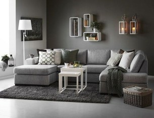 Stunning Living Room Wall Decoration Ideas 49