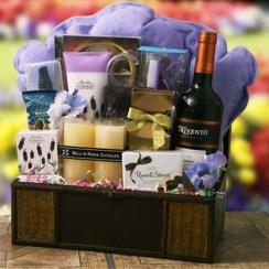 Stylish DIY Wine Gift Baskets Ideas 01