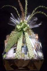 Stylish DIY Wine Gift Baskets Ideas 03