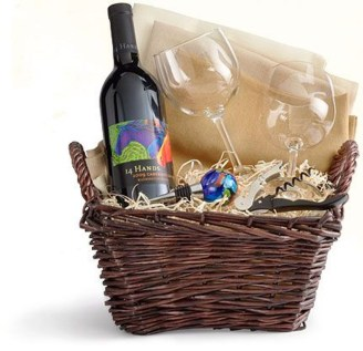 Stylish DIY Wine Gift Baskets Ideas 18