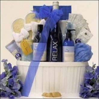Stylish DIY Wine Gift Baskets Ideas 27