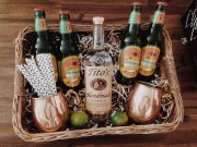 Stylish DIY Wine Gift Baskets Ideas 38