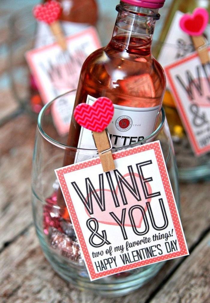 Stylish DIY Wine Gift Baskets Ideas 39