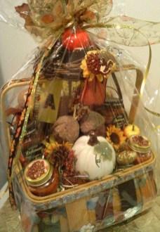 Stylish DIY Wine Gift Baskets Ideas 43
