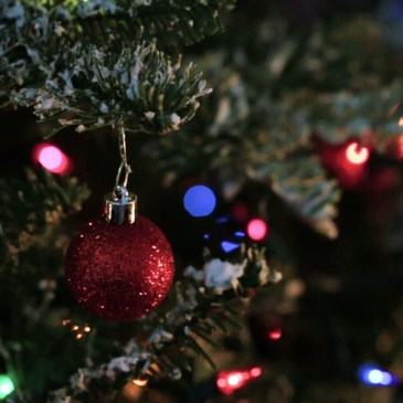 Super Easy DIY Christmas Decor Ideas For This Year 14