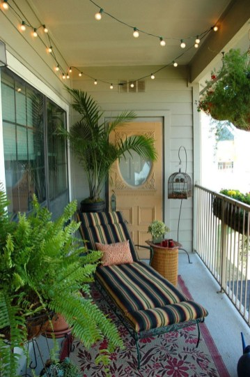 Unique Apartment Small Porch Decorating Ideas 51