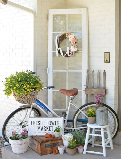 Unique Apartment Small Porch Decorating Ideas 53