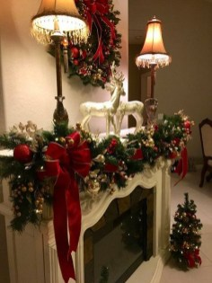 Awesome Fireplace Christmas Decoration To Makes Your Home Keep Warm 12