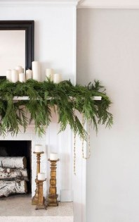Awesome Fireplace Christmas Decoration To Makes Your Home Keep Warm 13