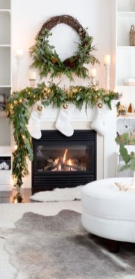 Awesome Fireplace Christmas Decoration To Makes Your Home Keep Warm 36