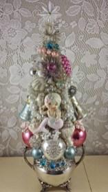 Beautiful Vintage Christmas Decoration Ideas 30