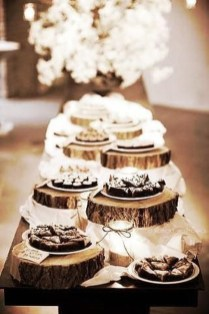 Cozy Rustic Winter Decoration For Your Home 28
