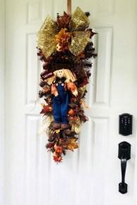 Creative Thanksgiving Front Door Decoration Ideas 02
