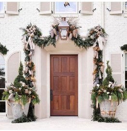Creative Thanksgiving Front Door Decoration Ideas 11
