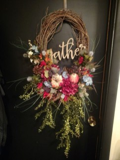 Creative Thanksgiving Front Door Decoration Ideas 21