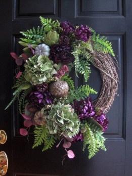 Creative Thanksgiving Front Door Decoration Ideas 23