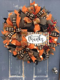 Creative Thanksgiving Front Door Decoration Ideas 28