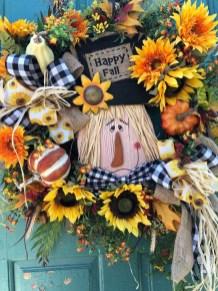 Creative Thanksgiving Front Door Decoration Ideas 37