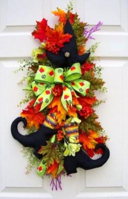 Creative Thanksgiving Front Door Decoration Ideas 42