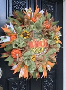 Creative Thanksgiving Front Door Decoration Ideas 58