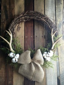 Easy DIY Outdoor Winter Wreath For Your Door 10