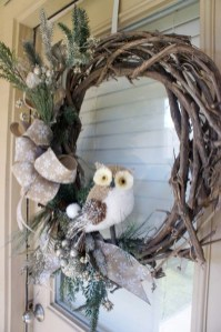 Easy DIY Outdoor Winter Wreath For Your Door 12