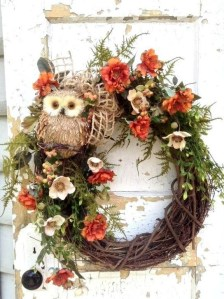 Easy DIY Outdoor Winter Wreath For Your Door 14