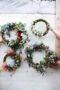 Easy DIY Outdoor Winter Wreath For Your Door 47