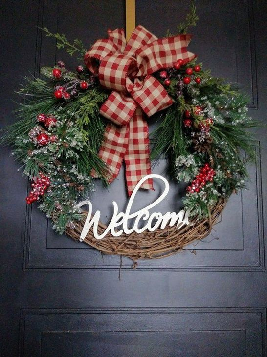 Easy DIY Outdoor Winter Wreath For Your Door 56