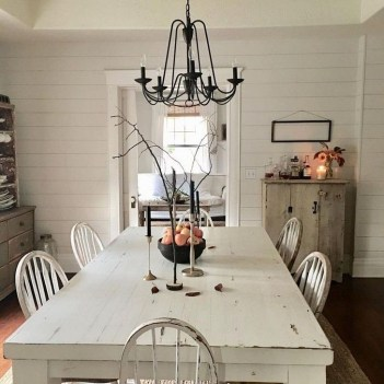 Easy Rustic Farmhouse Dining Room Makeover Ideas 38