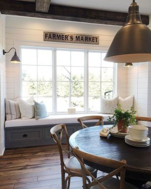 Easy Rustic Farmhouse Dining Room Makeover Ideas 46