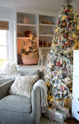 Fabulous Christmas Decoration Ideas For Small House 17
