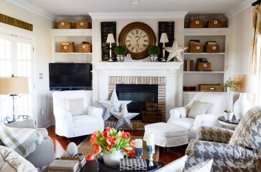 Favorite Mantel Decoration Ideas For Winter 34