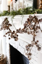 Favorite Mantel Decoration Ideas For Winter 58