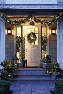 Joyful Front Porch Christmas Decoration Ideas 22