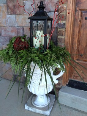 Joyful Front Porch Christmas Decoration Ideas 25