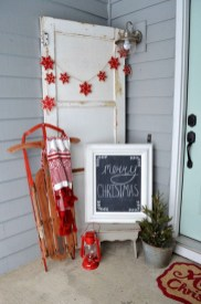 Joyful Front Porch Christmas Decoration Ideas 44