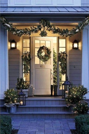 Joyful Front Porch Christmas Decoration Ideas 56