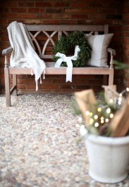 Joyful Front Porch Christmas Decoration Ideas 57