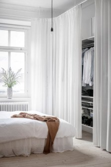 Minimalist But Beautiful White Bedroom Design Ideas 09