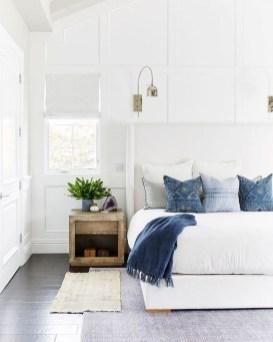 Minimalist But Beautiful White Bedroom Design Ideas 16