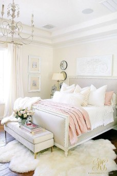 Minimalist But Beautiful White Bedroom Design Ideas 17