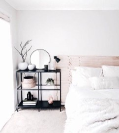 Minimalist But Beautiful White Bedroom Design Ideas 30