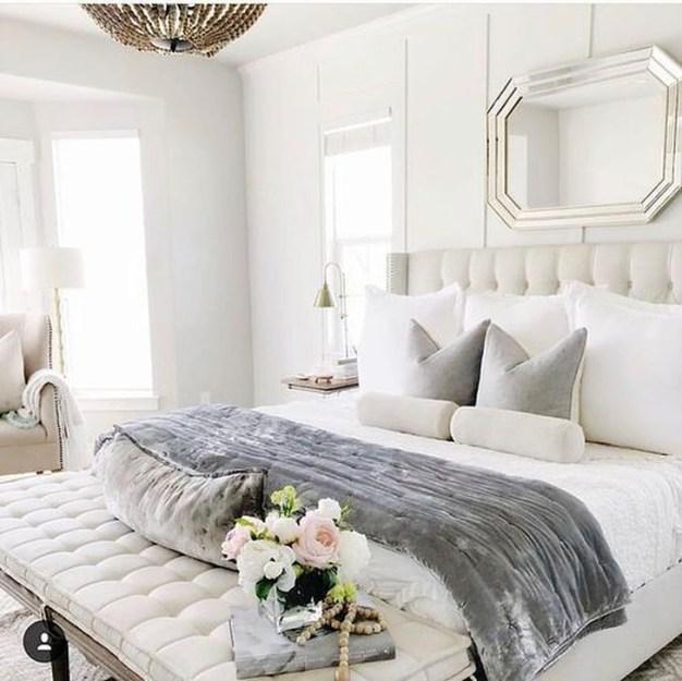 Minimalist But Beautiful White Bedroom Design Ideas 55