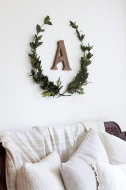 Simple And Easy DIY Winter Decor Ideas For Your Apartment 15