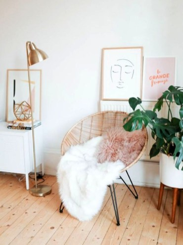 Simple And Easy DIY Winter Decor Ideas For Your Apartment 36
