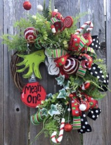 Unique Christmas Wreath Decoration Ideas For Your Front Door 45