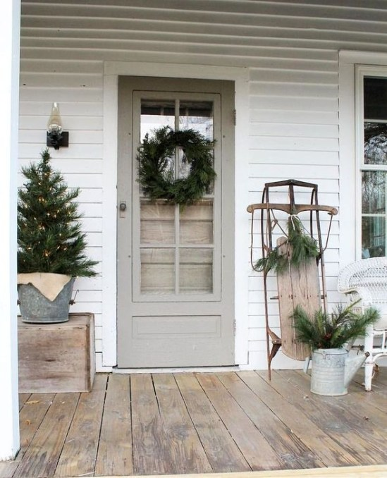 Welcoming Christmas Entryway Decoration For Your Home 59