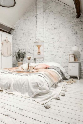 Adorable Bedroom Decoration Ideas For Winter 42